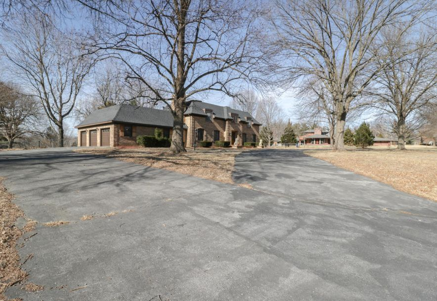 2325 South Inglewood Road Springfield, MO 65804 - Photo 2