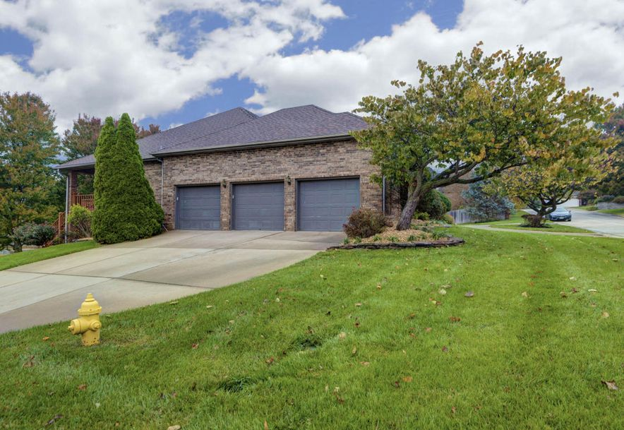 5049 South Castlewood Drive Springfield, MO 65804 - Photo 4
