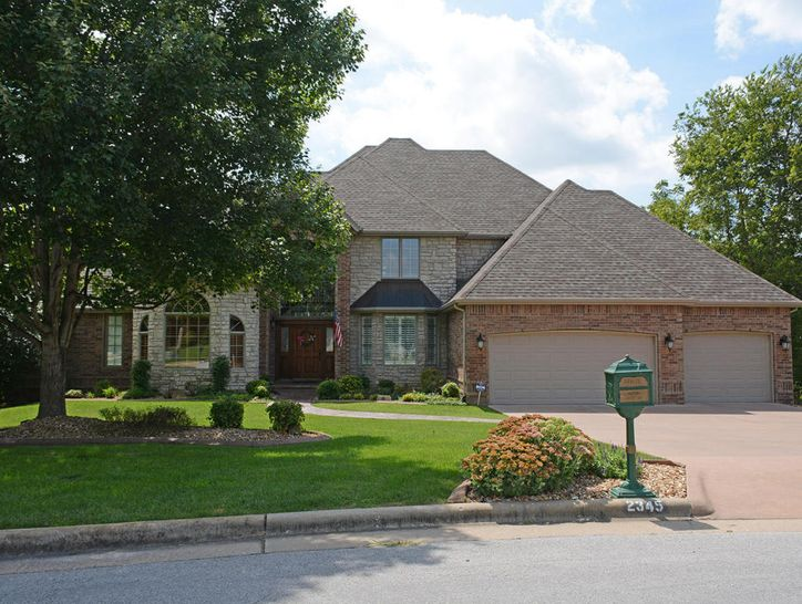 Photo of 2345 South Oakbrook Drive