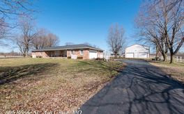 Photo Of 606 West Boone Street Ash Grove, MO 65604