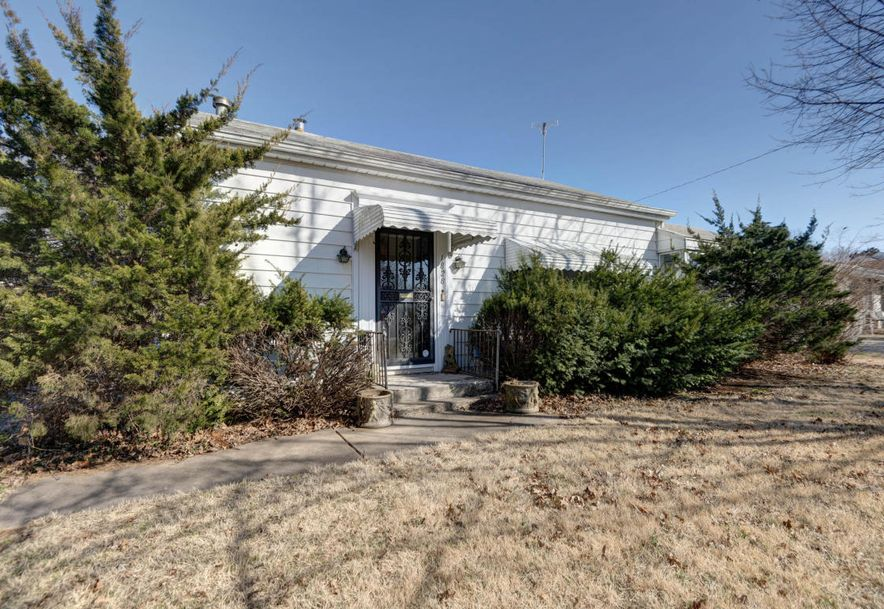 1828 South Missouri Avenue Springfield, MO 65807 - Photo 2