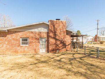 Photo of 842 North Lone Pine Avenue