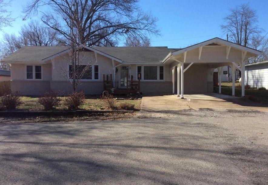 136 North Oak Crest Drive Houston, MO 65483 - Photo 1