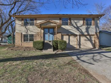 3327 West Winchester Road Springfield, MO 65807 - Image 1