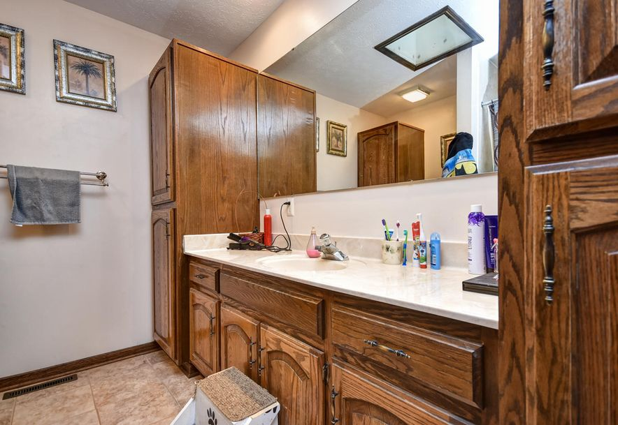 7138 North Crystal Cave Lane Springfield, MO 65803 - Photo 28