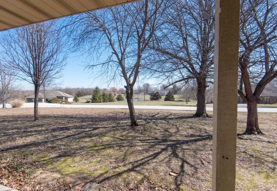 8425 Meadow Lake Drive Willard, MO 65781 - Photo 4