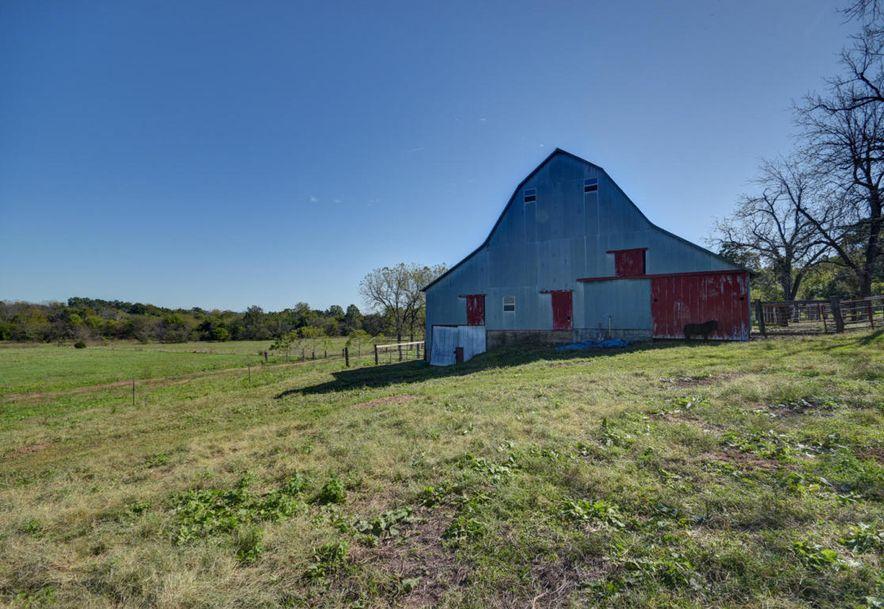 8624 B Lawrence 2082 Mt Vernon, MO 65712 - Photo 3