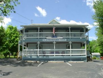 315 North Commercial Street Branson, MO 65616 - Image 1