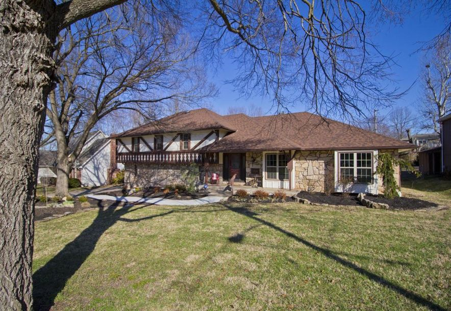 2536 South Camber Avenue Springfield, MO 65809 - Photo 2
