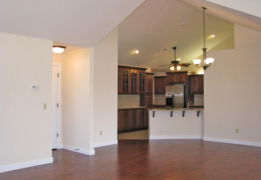 3810 East Cherry St Unit B108 Springfield, MO 65804 - Photo 7