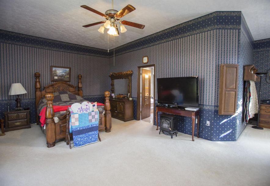 71 Castlegate Seymour, MO 65746 - Photo 30