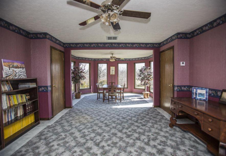 71 Castlegate Seymour, MO 65746 - Photo 37