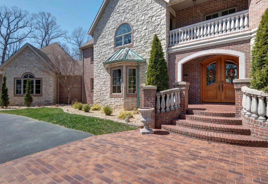 2991 South Thornridge Drive Springfield, MO 65809 - Photo 8