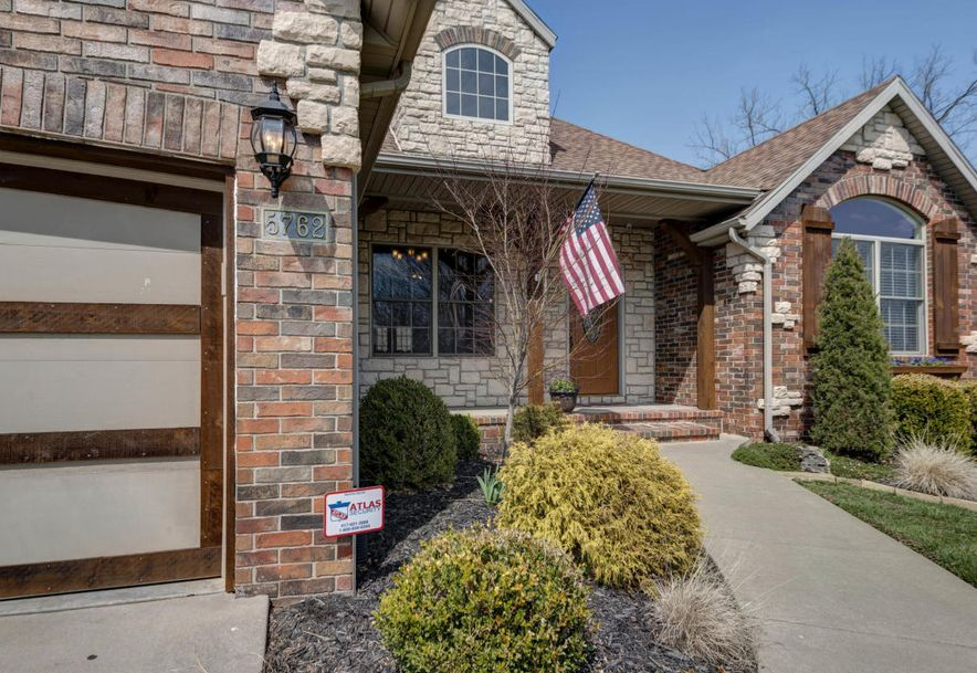 5762 South Brightwater Trail Springfield, MO 65810 - Photo 3