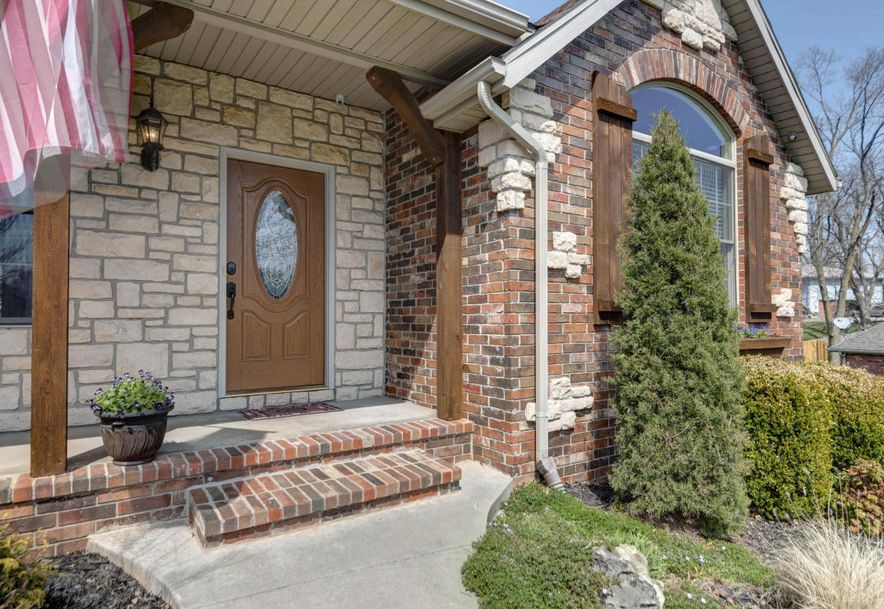 5762 South Brightwater Trail Springfield, MO 65810 - Photo 4