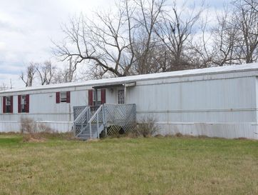 200 North Commercial Street Conway, MO 65632 - Image 1