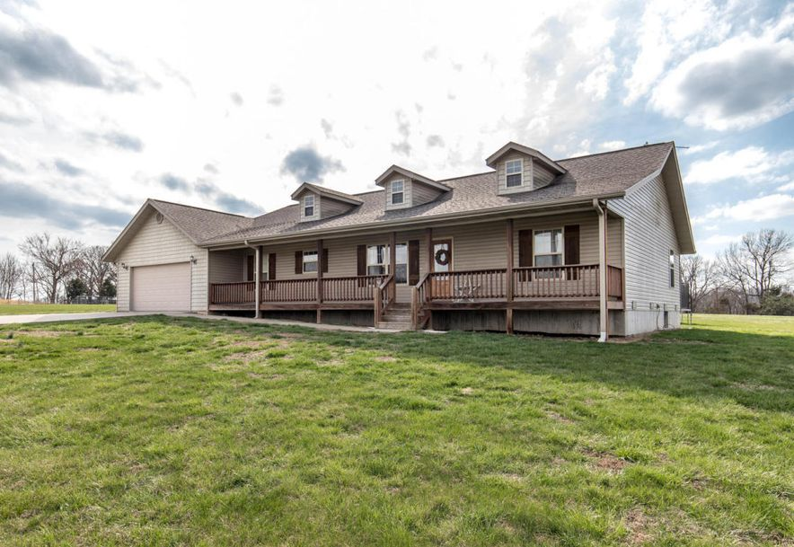 135 Dawnelle Drive Galena, MO 65656 - Photo 2