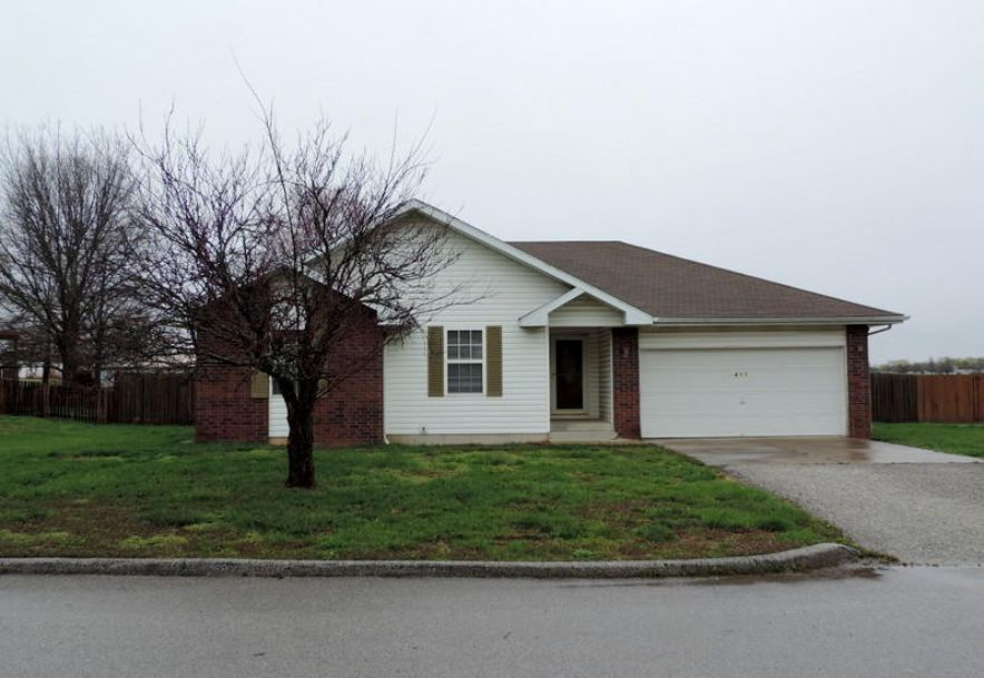 411 Westview Avenue Clever, MO 65631 - Photo 2