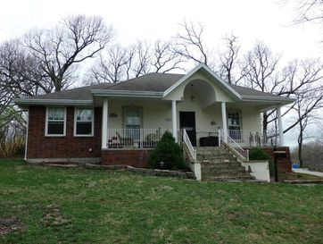 613 North Clay Street Marshfield, MO 65706 - Image 1