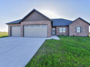 121 Southern Fields Circle Clever, MO 65631 - Image 1