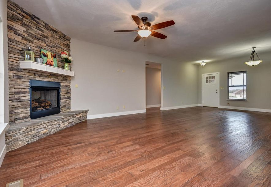 5605 East Conservatory Place Strafford, MO 65757 - Photo 3