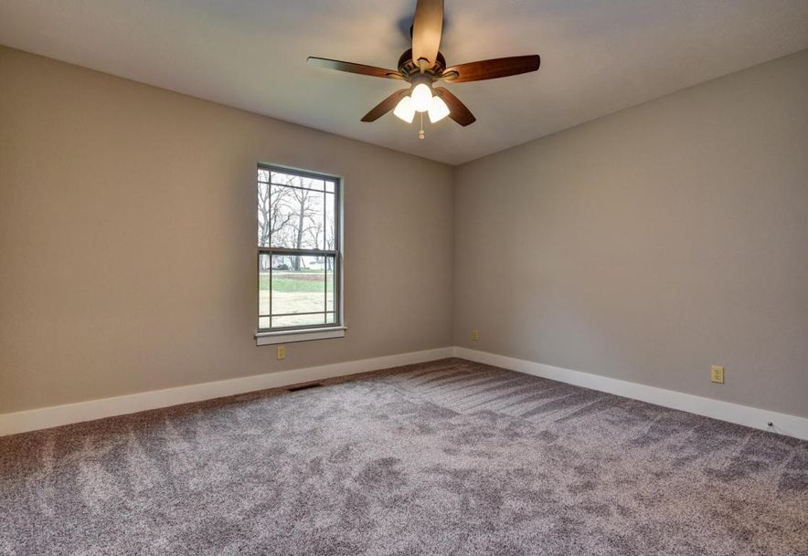 5605 East Conservatory Place Strafford, MO 65757 - Photo 32