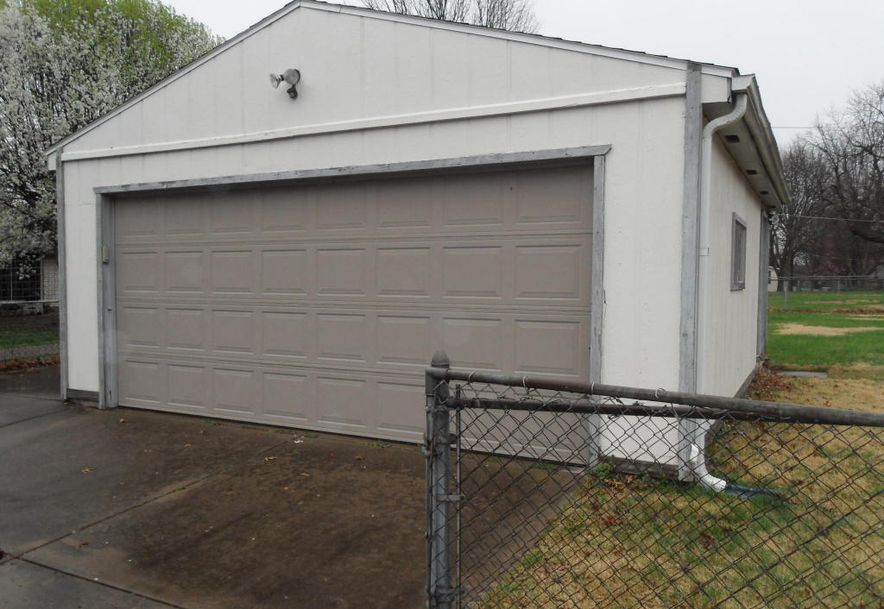 1829 West Swan Street Springfield, MO 65807 - Photo 22
