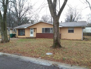 1213 Admiral Place Monett, MO 65708 - Image 1