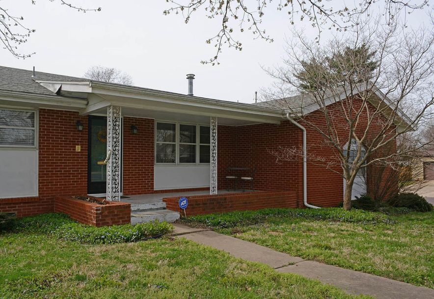 2501 South Barcliff Avenue Springfield, MO 65804 - Photo 2