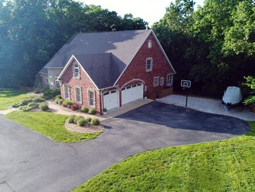 Photo of 700 Center Road