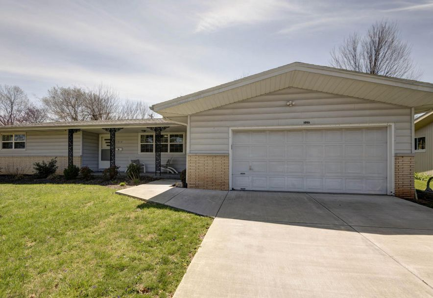 1910 East Gretna Street Springfield, MO 65804 - Photo 2