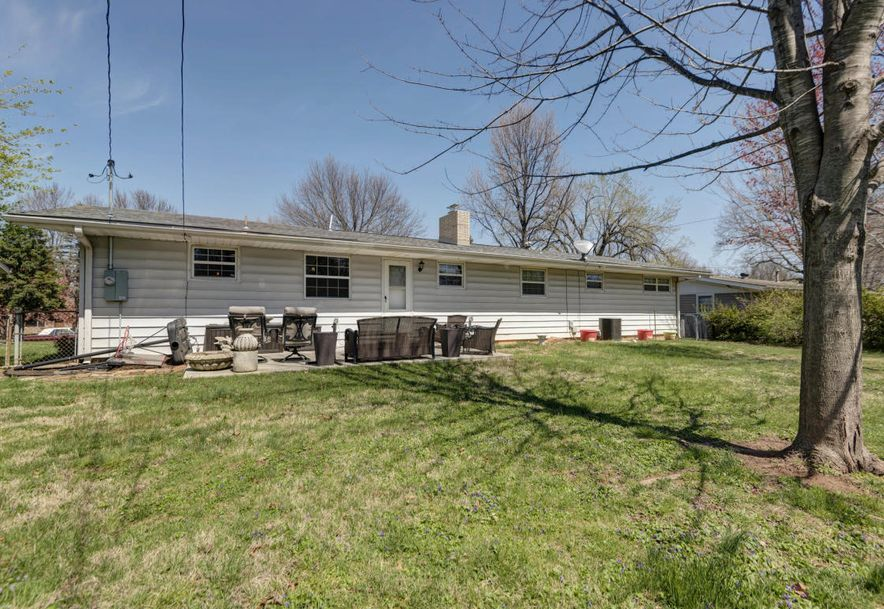 1910 East Gretna Street Springfield, MO 65804 - Photo 29