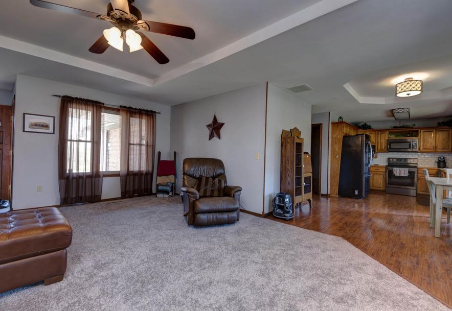 748 East Bluff Drive Springfield, MO 65803 - Photo 5