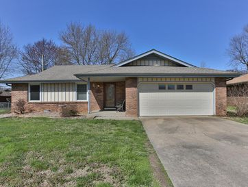 2039 South Grant Avenue Springfield, MO 65807 - Image 1
