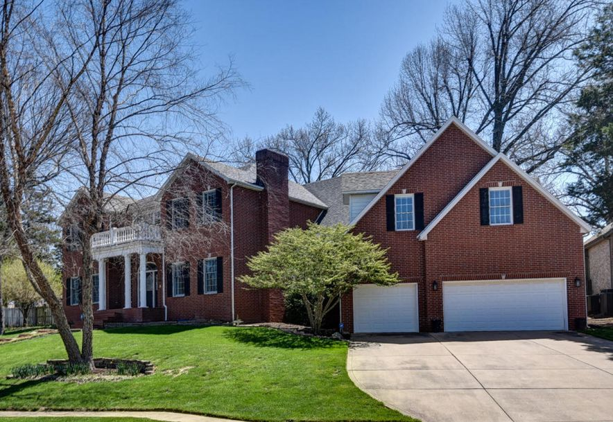 2450 South Forrest Heights Avenue Springfield, MO 65809 - Photo 2