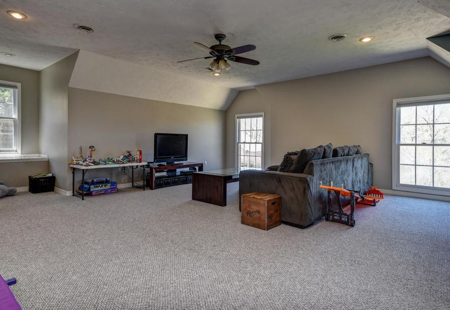 2450 South Forrest Heights Avenue Springfield, MO 65809 - Photo 42