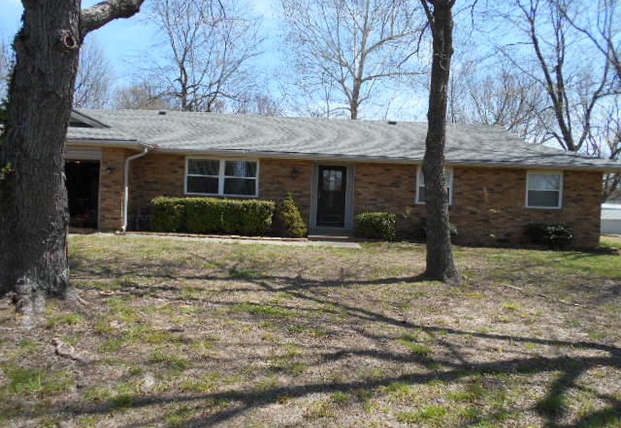1312 South Adams Avenue Aurora, MO 65605 - Photo 2