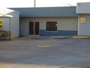 205 West 54 Highway El Dorado Springs, MO 64744 - Image 1