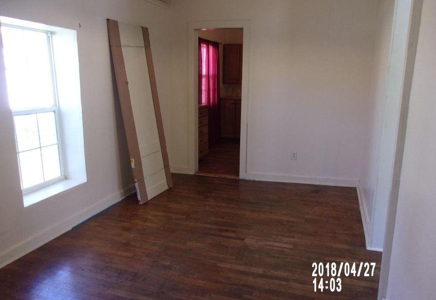 2120 North Summit Avenue Springfield, MO 65803 - Photo 8