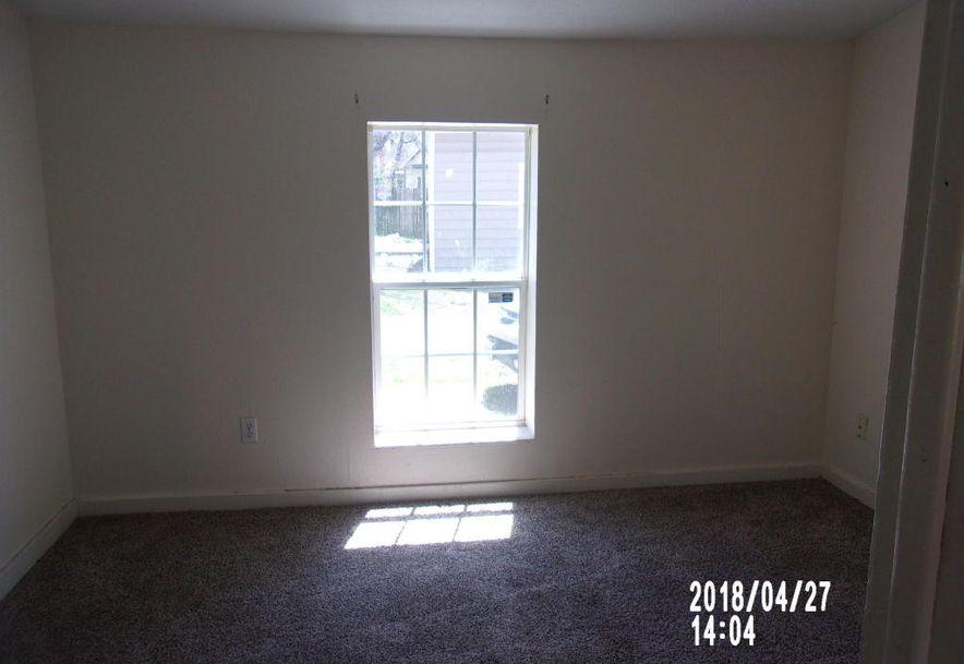 2120 North Summit Avenue Springfield, MO 65803 - Photo 9