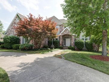 2082 East Norshire Street Springfield, MO 65804 - Image 1