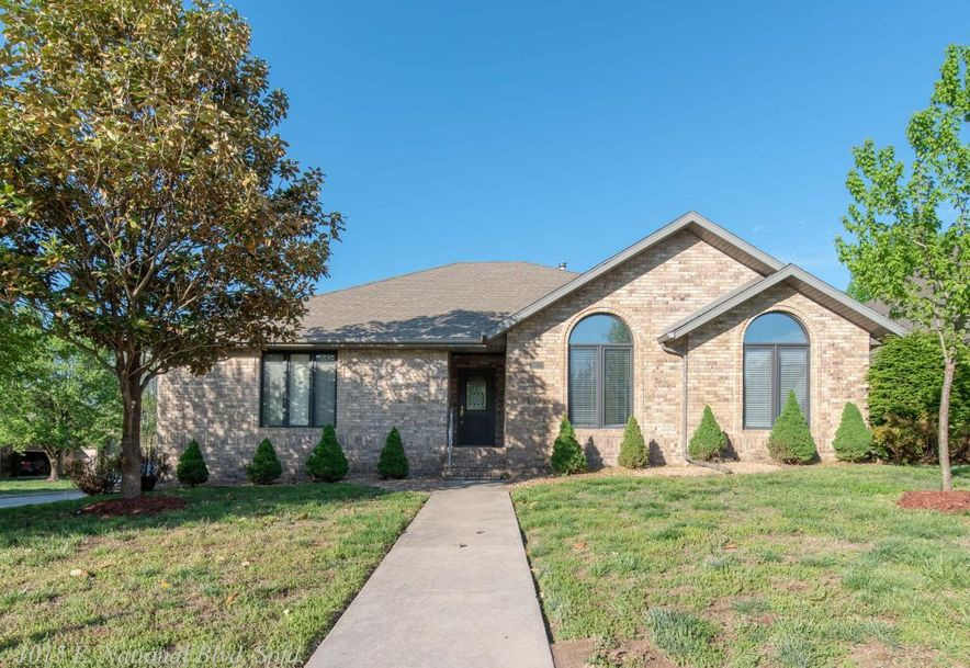 1015 East National Place Boulevard Springfield, MO 65810 - Photo 1