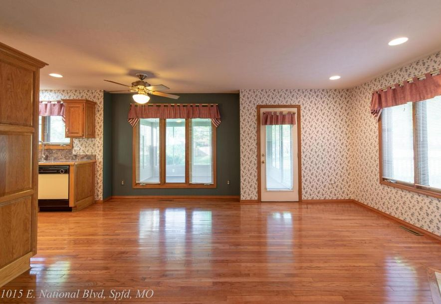 1015 East National Place Boulevard Springfield, MO 65810 - Photo 4