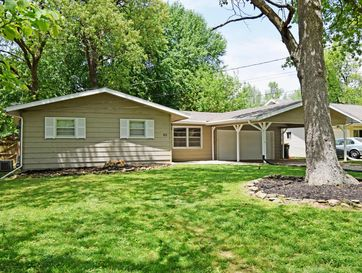 1043 South Gelven Avenue Springfield, MO 65804 - Image 1