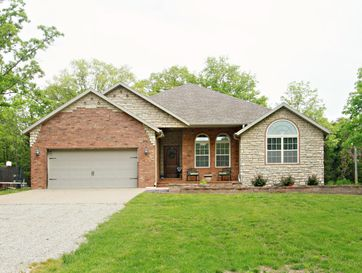 1036 Spring Valley Loop Marshfield, MO 65706 - Image 1