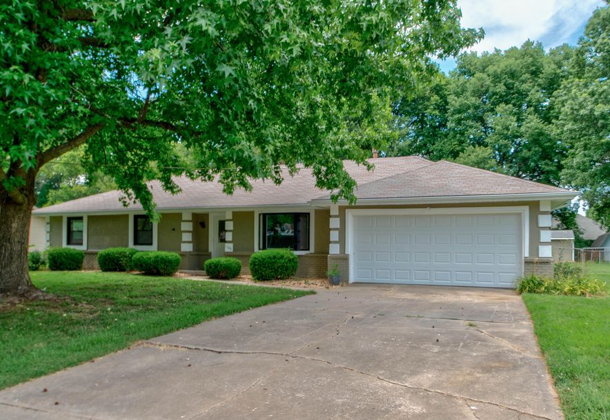 1105 East Canterbury Lane Springfield, MO 65810 - Photo 1