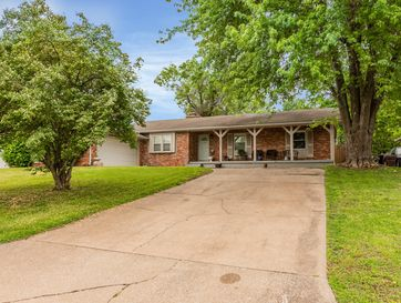 3040 South Lochlomond Drive Springfield, MO 65804 - Image 1