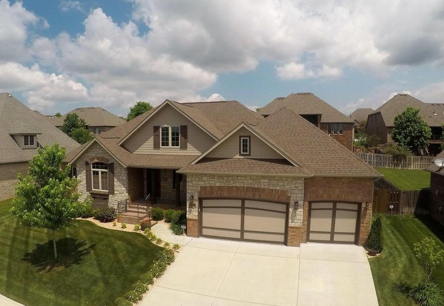 2817 East Cherry Bark Lane Springfield, MO 65804 - Photo 2