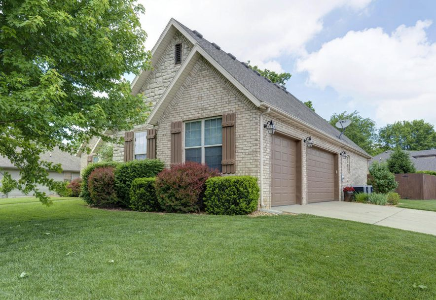 4503 East Summerfield Drive Springfield, MO 65802 - Photo 2
