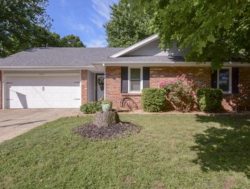 3827 South Lindell Avenue Springfield, MO 65807 - Image 1
